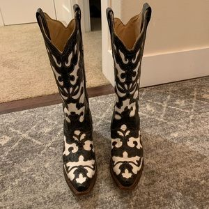 Corral black and white leather cowboy boots